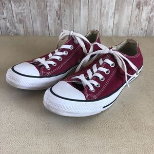 Converse | Maroon Low-Top All-Star Chuck Taylors